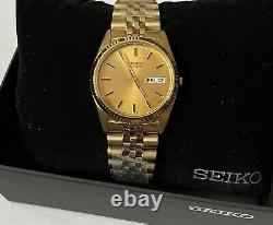Seiko Quartz Men's Day-date Gold Dial Stainless Steel Gold Plated Watch SGF206